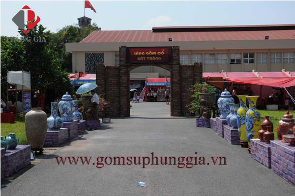 Gom Su Phung Gia Tham Gia Le Ruoc To Cac Lang Nghe Truyen Thong Tai Hoang Thanh Thang Long1