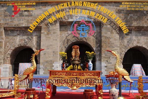Gom Su Phung Gia Tham Gia Le Ruoc To Cac Lang Nghe Truyen Thong Tai Hoang Thanh Thang Long2