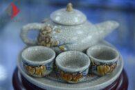 Bộ ấm trà cúng 3 chén men rạn nổi đắp hoa đào